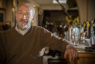 """Legendarische cafébaas in Mol stopt: """"Ik heb kanker gekregen van het kankeren"""""""