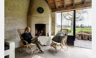 Binnenkijken in een 'afgeronde' familiehoeve met zomerhuisje