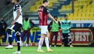 Woedende Zlatan Ibrahimovic krijgt rood nadat hij scheidsrechter de huid vol schold