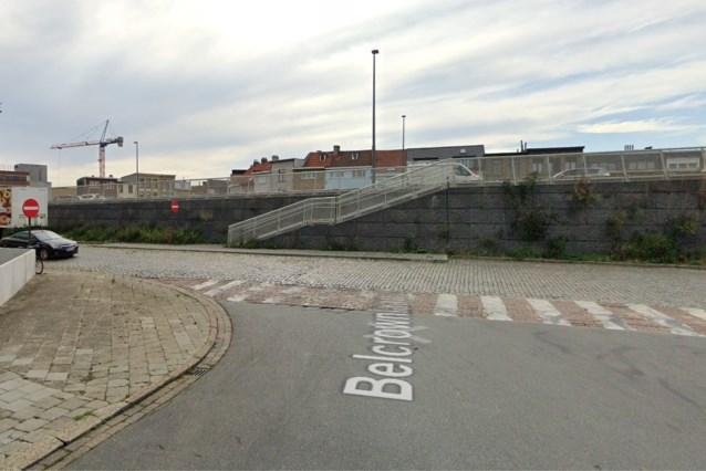 15-jarige crasht tegen brugpijler tijdens joyriden, vier gewonden