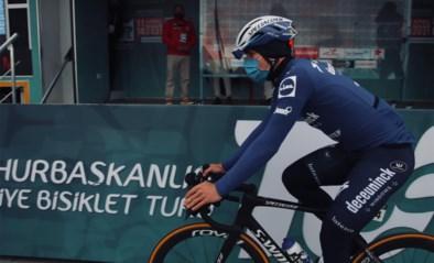 """Fabio Jakobsen sprint niet mee in Ronde van Turkije bij comeback, maar is blij terug te zijn: """"Ik had vanmorgen een speciaal gevoel"""""""