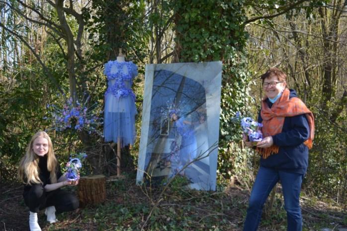 """Jonge kostuumontwerper toont paradijselijke kunst in tuin erfgoedhuis: """"Door corona aan nieuwe collectie begonnen"""""""