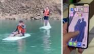 Man vindt na één jaar smartphone terug die hij in meer liet vallen en doet opvallende ontdekking