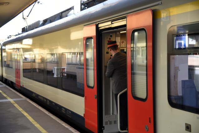 Geen treinverkeer tussen Poperinge en Menen door schade aan de bovenleiding
