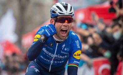 """Mark Cavendish na zijn 45ste overwinning voor de Wolfpack: """"Ongelofelijk om weer te kunnen winnen na wat ik de laatste jaren heb meegemaakt"""""""