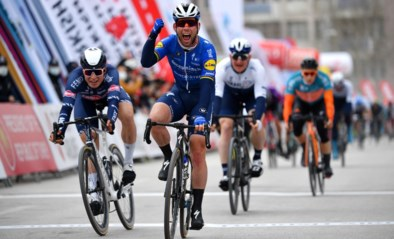 The Manx Missile is terug! Mark Cavendish klopt Jasper Philipsen in de Ronde van Turkije en valt in de armen van Fabio Jakobsen