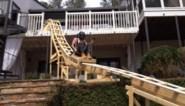 Deze tiener verveelde zich zo hard... dat hij een rollercoaster in zijn tuin bouwde