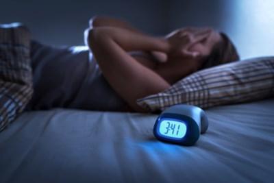 Wie uur minder slaapt, loopt meer risico op coronabesmetting