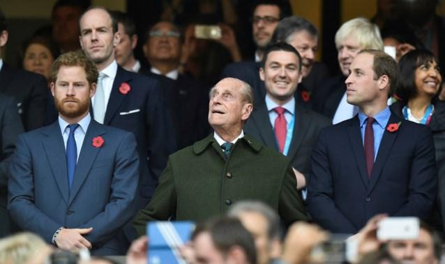 Prins William en Harry brengen hulde aan overleden grootvader prins Philip