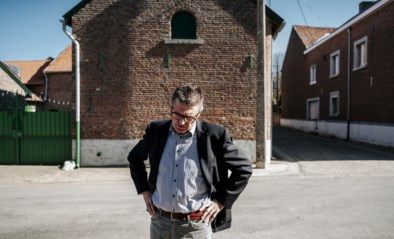 """De grote ruzie die de kleinste gemeente in tweeën splijt: """"Die man denkt dat hij de zonnekoning is"""""""