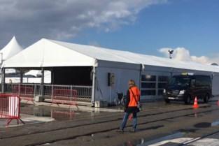 Aprilse grillen op Spoor Oost: extra tent om te schuilen in de sneeuw