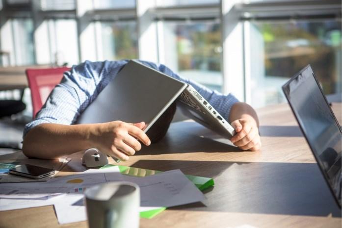 Tijdelijke werkloosheid hakt er zwaar in: werknemers zijn onzekerder, eenzamer en vrezen financiële problemen