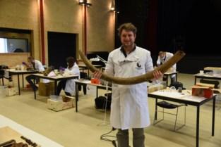 Geen concerten, maar fossielen in dit cultureel centrum: concertzaal tijdelijk omgebouwd tot laboratorium