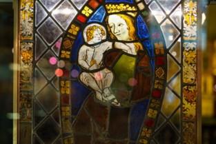 Zelfs glas was tot op de millimeter realistisch: nieuwe expo toont hoe minutieus Van Eyck schilderde