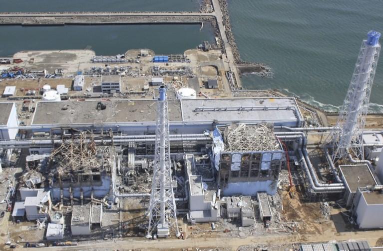 Japan gaat vervuild water van kernramp Fukushima in zee lozen