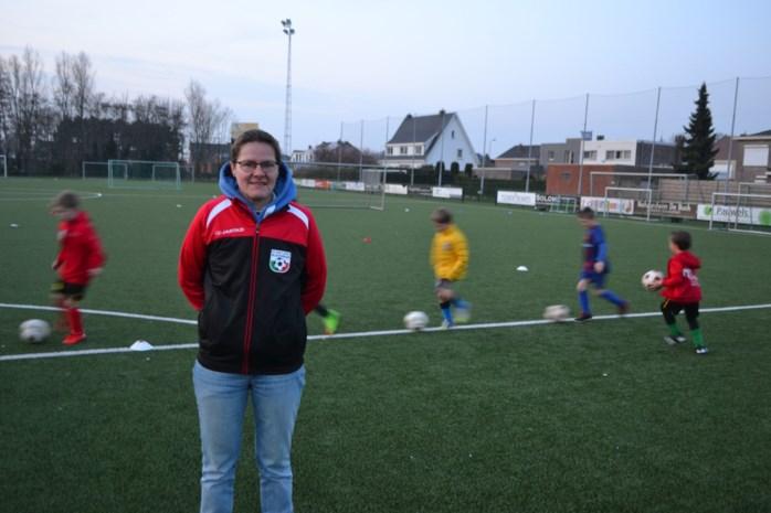 """Marianne (47) volgend seizoen eerste vrouwelijke trainer van Oost-Vlaams mannenteam: """"Wees gerust, ik kan mijn mannetje staan"""""""