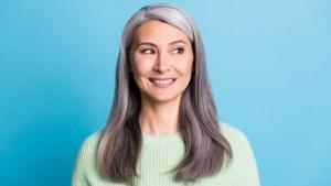 Vrouwen met grijs haar voelen dat ze minder competent overkomen