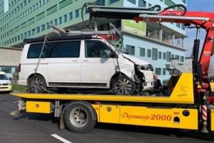 Vluchtende bestuurder springt van brug na achtervolging in Antwerpen