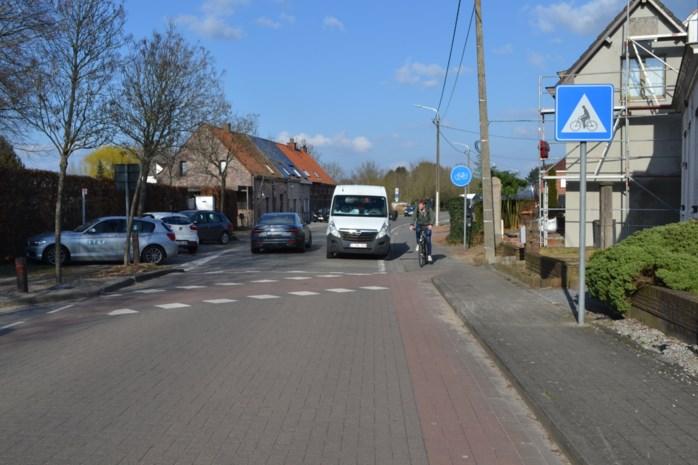 Joke Schauvliege vraagt dringend maatregelen om Langerbrugsestraat fietsvriendelijker te maken