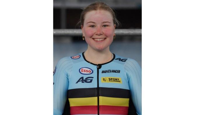 Sara Maes rijdt met Yuli Van Der Molen in VWEM