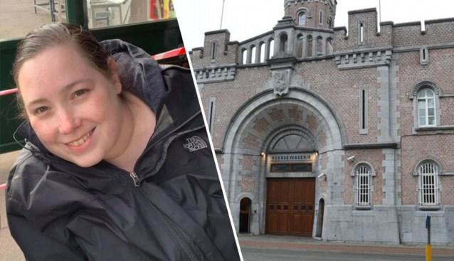 Dood aangetroffen in bed door haar moeder: cipier (35) overleden nadat ze corona opliep in gevangenis