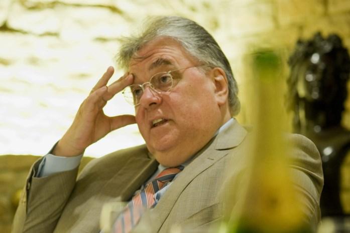 """Twee jaar cel geëist voor bekende wijnhandelaar die put van 40 miljoen achterliet: """"Maar 1 doos op 10 was gevuld"""""""