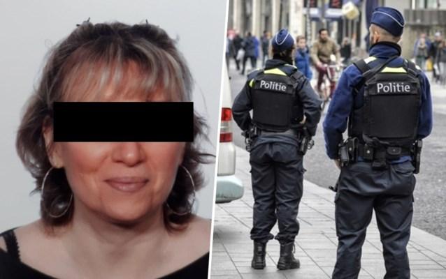Dochter (51) gearresteerd voor moord op haar moeder (74): doodgestoken met schaar en cuttermes