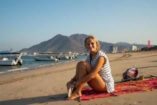 """Jasmine (23) belandde in Egyptische gevangenis na banaal ongeval: """"Als ik bleef wenen, vloog ik weer in de cel"""""""