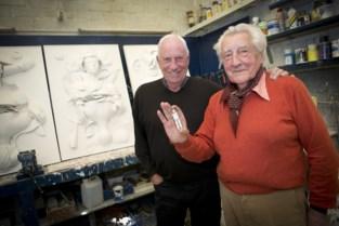 """Grote hulde 50 jaar nadat astronauten beeldje van Vlaamse kunstenaar (95) naar de maan hebben meegesmokkeld: """"Zelfs NASA wist het niet"""""""