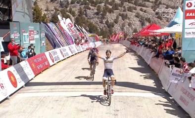 Spanjaard Diaz zet koninginnenrit Ronde van Turkije naar zijn hand na prangende spurt
