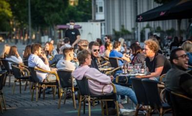 Terrassen gaan straks open, maar tot hoe laat en met hoeveel man mag je aan tafel? Ook horeca blijft achter met vragen na Overlegcomité
