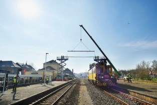 Deels dieselen op elektrische spoorlijn Mol-Hamont
