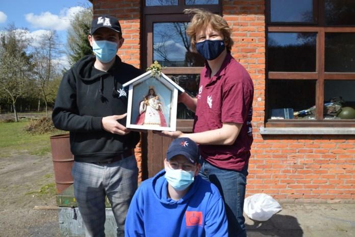 Pastoor wil met Mariakapelletjes meer blauw op straat in mei