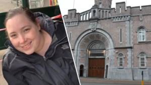 Dood aangetroffen in bed door haar moeder: cipier Valerie (35) overleden nadat ze corona had opgelopen in gevangenis
