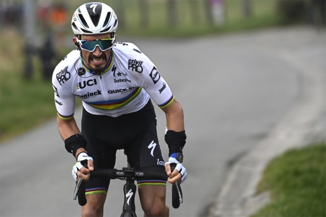 """Julian Alaphilippe verwacht een nog nerveuzere Amstel Gold Race: """"Mijn favorieten? Wout van Aert en Tom Pidcock"""""""