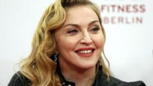 """Vrouw stomverbaasd: """"Madonna fotoshopte haar hoofd op mijn lichaam"""""""