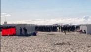 """Strand van Knokke elke dag overspoeld met honderden jongeren die feestjes houden: """"Liever hier dan thuis"""""""