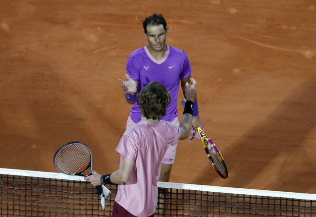 Hij is te kloppen op gravel: Nadal moet koffers pakken in Monte Carlo na spectaculaire partij tegen Rublev