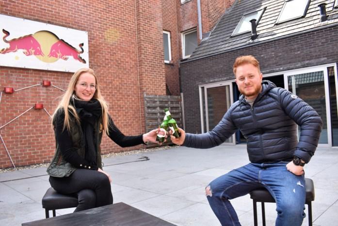 """Nieuwe zaakvoerders danscafé blij dat ze dakterras hebben: """"We zullen het goed kunnen gebruiken"""""""