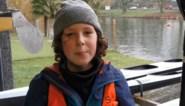 """""""Het is een deel van wie ik ben, net als mijn krullen"""": kajakker Stan (11) lijdt aan zeldzame bloedziekte"""