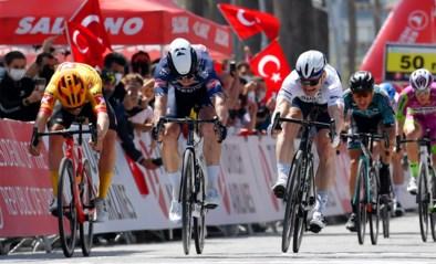Zesde rit Ronde van Turkije: Jasper Philipsen haalt zijn gram en wint na drie tweede plaatsen