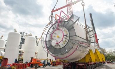 Enorme bioreactoren gezet aan staalfabriek in Gent: kunnen per jaar 80 miljoen biobrandstof produceren