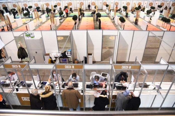 ANALYSE. Drie redenen waarom Antwerpen beter vaccineert dan Brussel