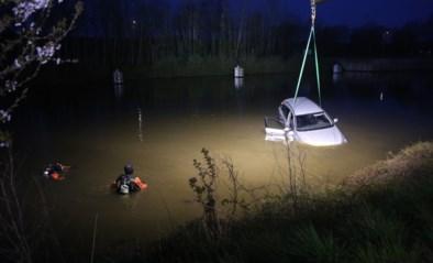 Wagen belandt in kanaal Bossuit-Kortrijk, bestuurder kan zichzelf redden