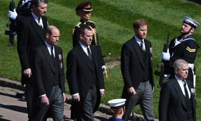 Opvallende beelden bij uitvaart prins Philip: Harry en William eerst stoïcijns naast elkaar, maar praten na begrafenis