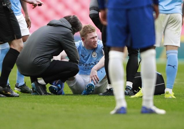 Kevin De Bruyne verlaat halve finale FA Cup met enkelblessure en ziet hoe Manchester City uitgeschakeld wordt