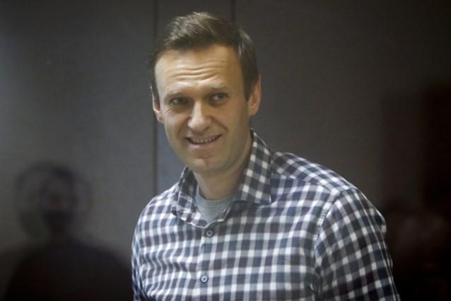 """Toestand Russische opposant Navalny onrustwekkend: """"Hij kan op elk ogenblik hartstilstand krijgen"""""""