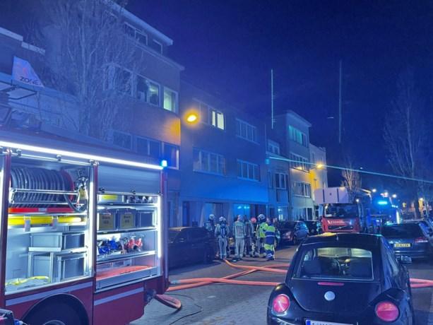 """Twee appartementen onbewoonbaar na keukenbrand: """"Oorzaak is voorlopig onduidelijk"""""""