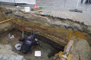 Vloeren, muurresten en sporen van een oude stadsomwalling: opgravingen op Grote Markt leggen stukje van Aalsterse geschiedenis bloot