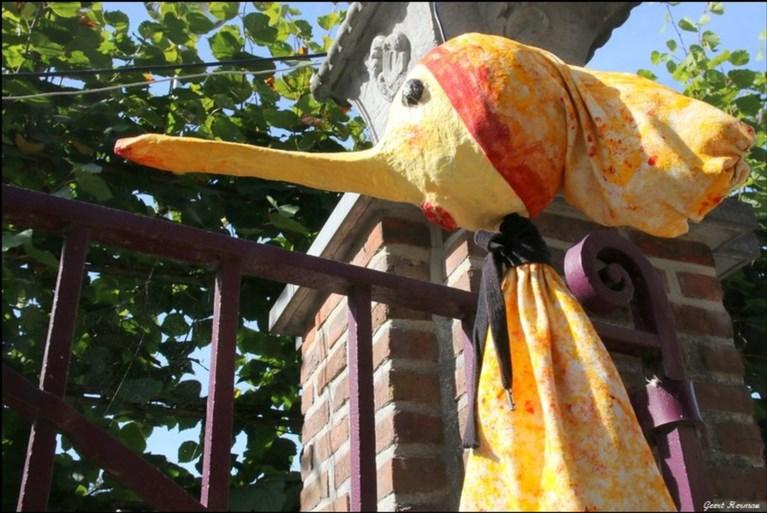 In mei hangt aan elke boom... een vogelhuisje: Lo-art is weer op dreef